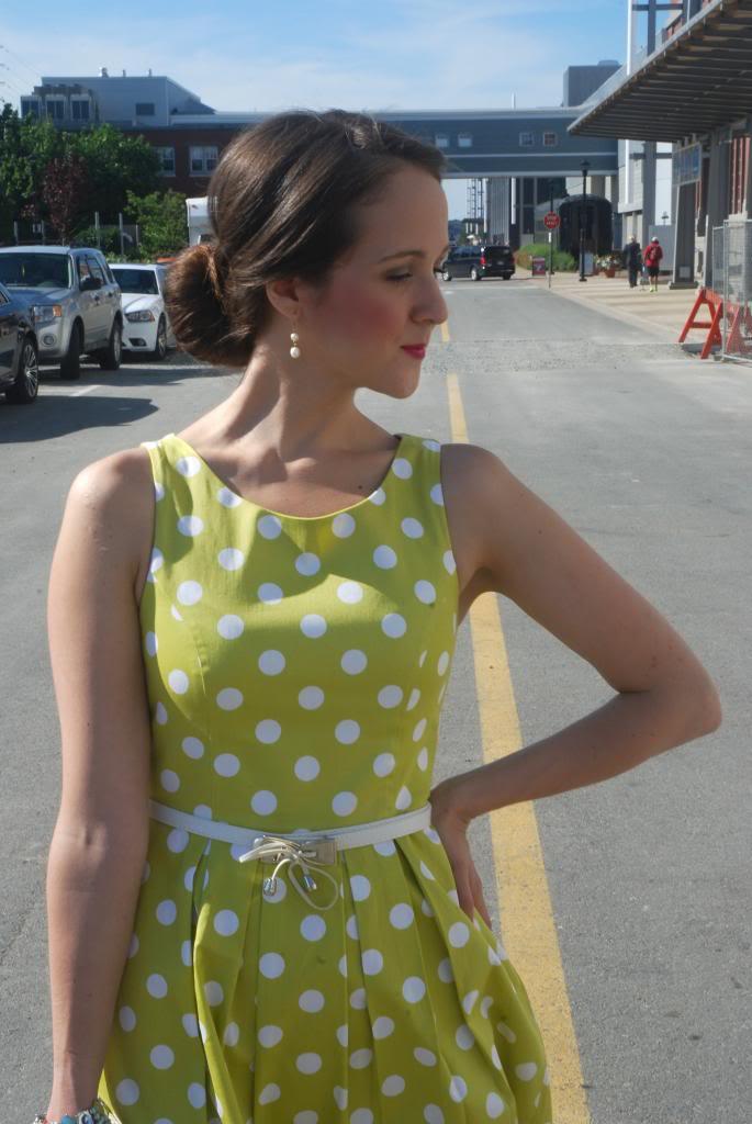 polka dots, chartreuse, green, vintage dresses, vintage hair, pink lipstick