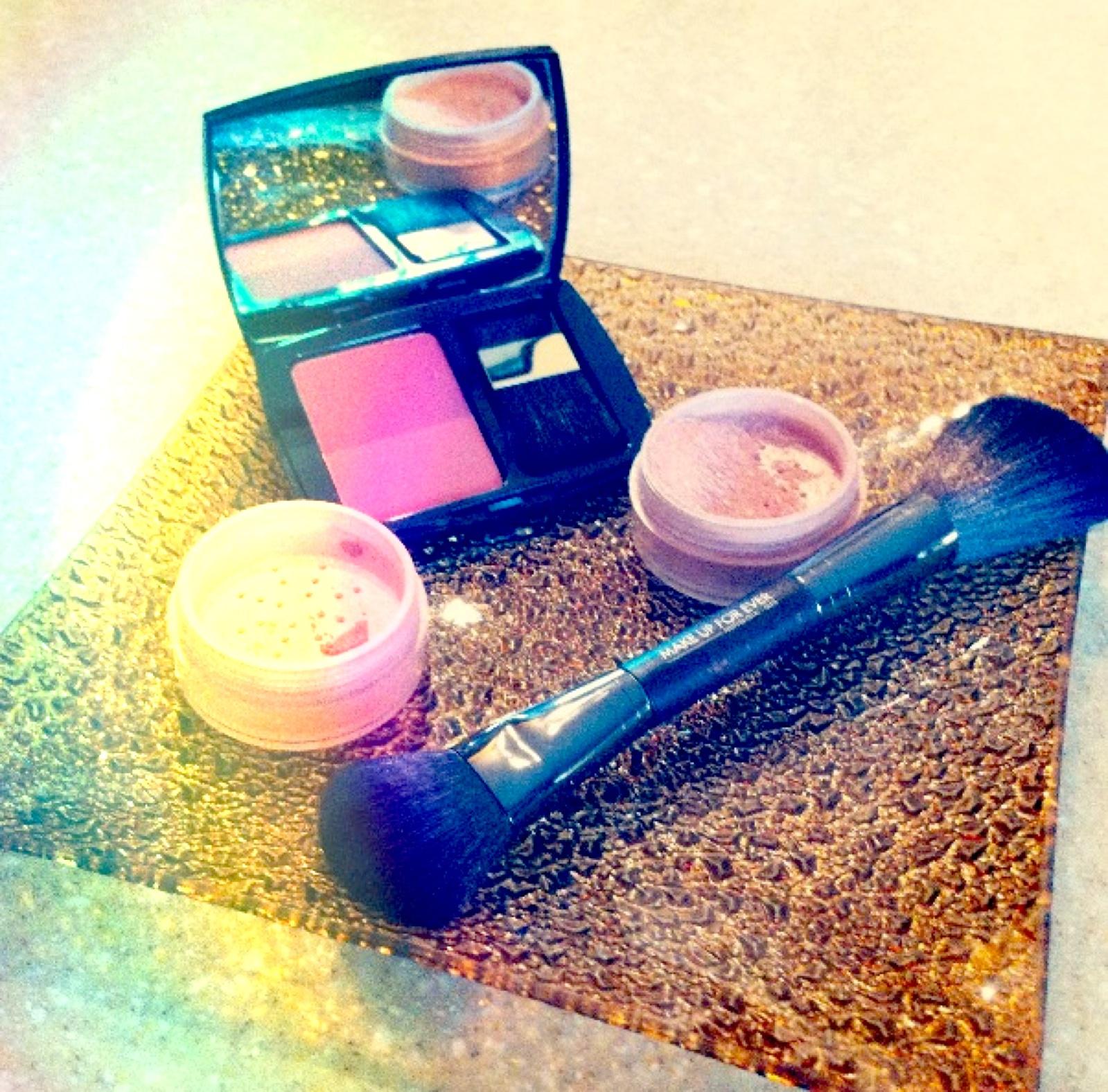 Blush, how to, makeup, pink, sculpt, rosey cheeks, bronzer, pretty