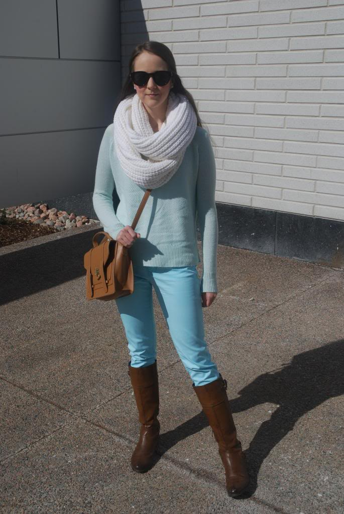 Gap Jeans, Banana Republic Scarf, Riding Boots, Cross-body bag, outfit ideas, trends, how to wear mint green.