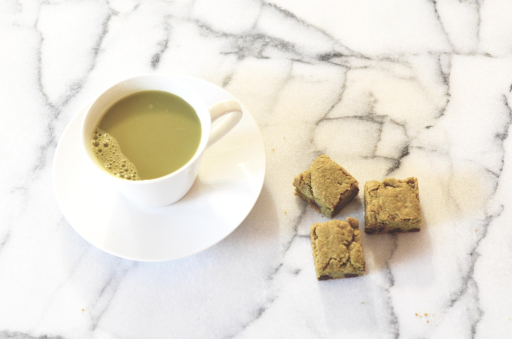 How to Make Matcha Blondies foto