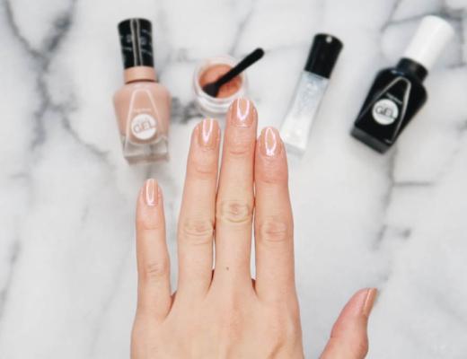 Kayla Short, Short Presents, Beauty Blogger, Halifax Blogger, Halifax NS, Sally Hansen, Nail Polish, Chrome Nail polish. DIY CHROME